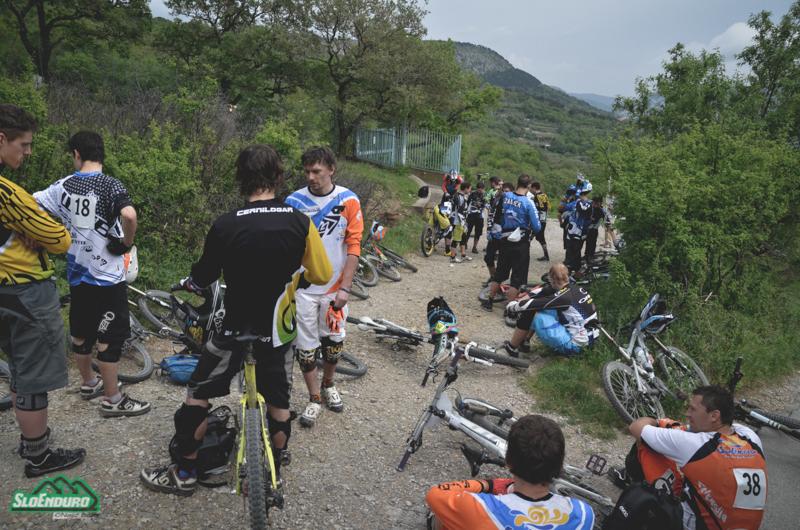 Prva dirka sezone bo že tretje leto zapored potekala tik za mejo, v  Trstu oz. Dolini (San Dorligo), streljaj od mesta.