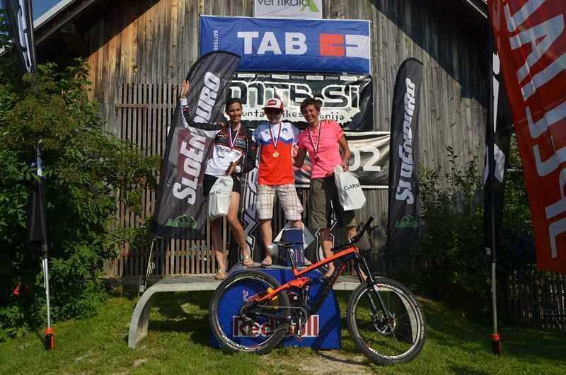 Najhitrejša dekleta (z leve): Ana Zupan, Tanja Žakelj, Tina Rejc