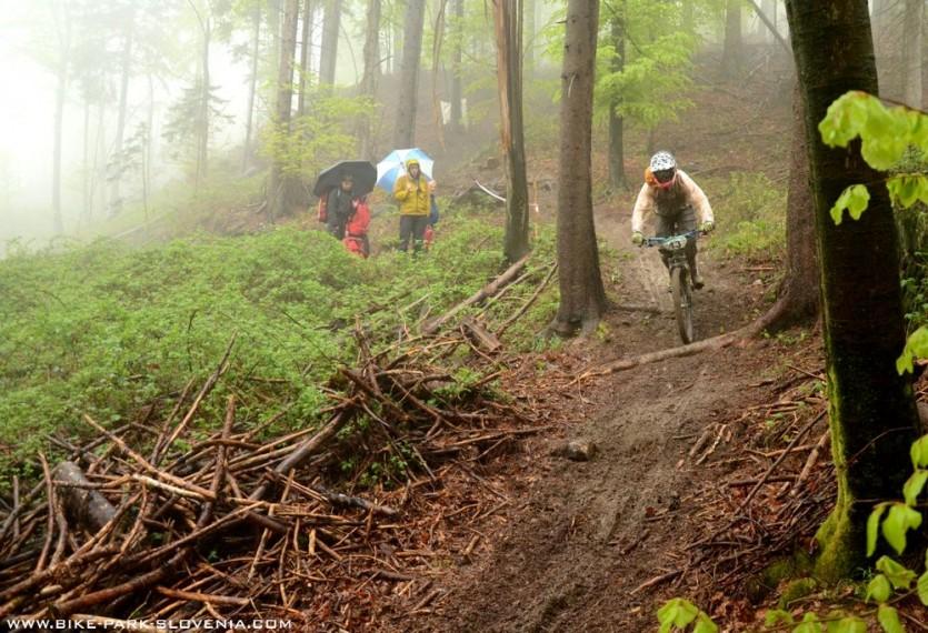 Prva 4Fun dirka v Kamniku je minila v znamenju dežja, blata in mraza. Bo tokrat vreme bolj prizaneslo tekmovalcem?